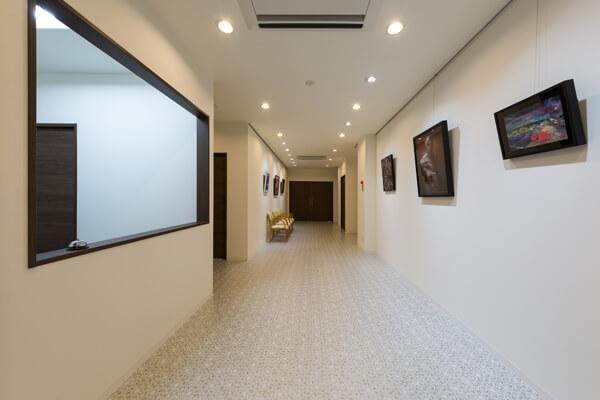 絵画の通路
